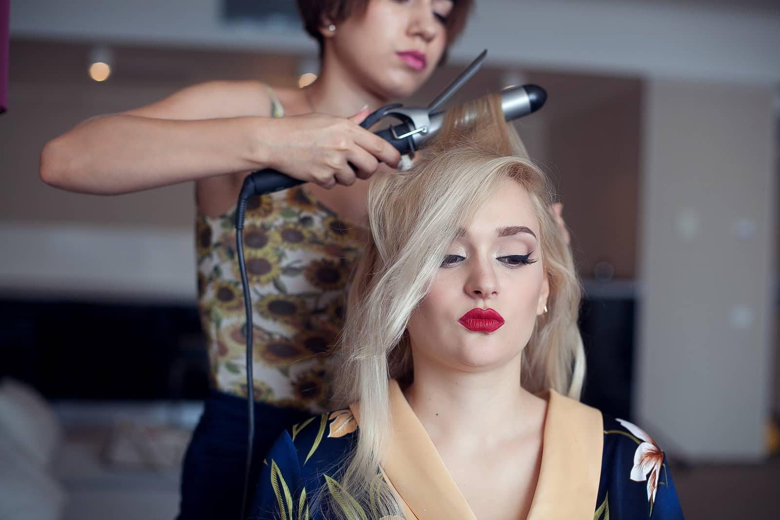disadvantages-of-being-a-cosmetologist