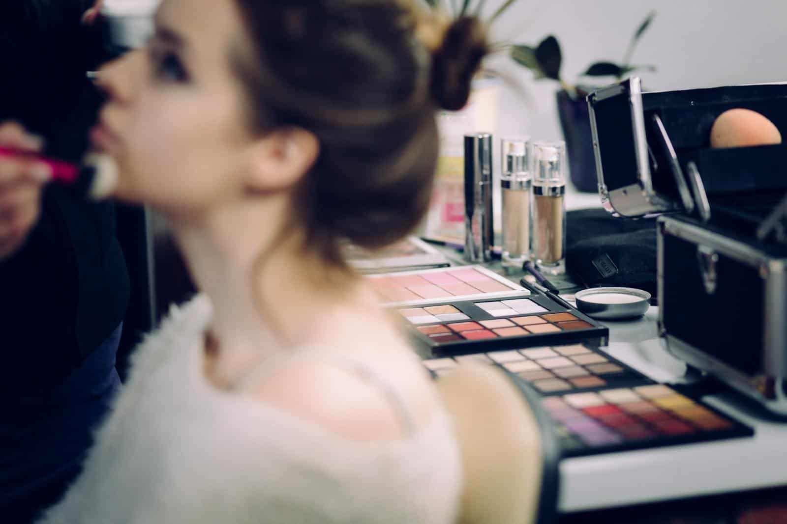 Questions You Need To Ask Before You Pick a Cosmetology School